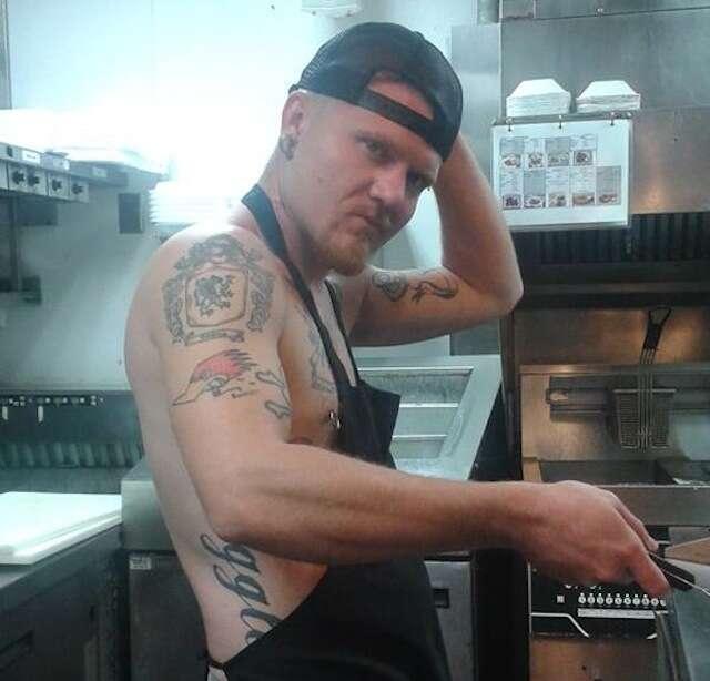 Chili's shirtless cook