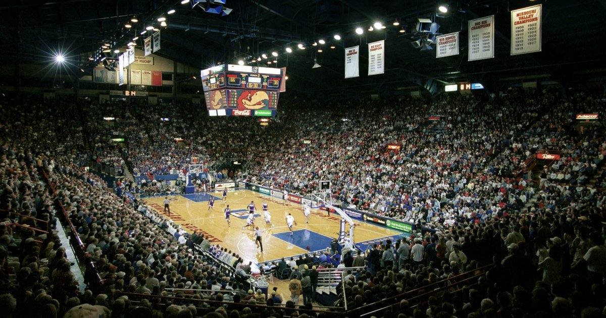 Best College Basketball Arenas: Allen Fieldhouse, The Palestra, And Hinkle  Fieldhouse Top Our List   Thrillist
