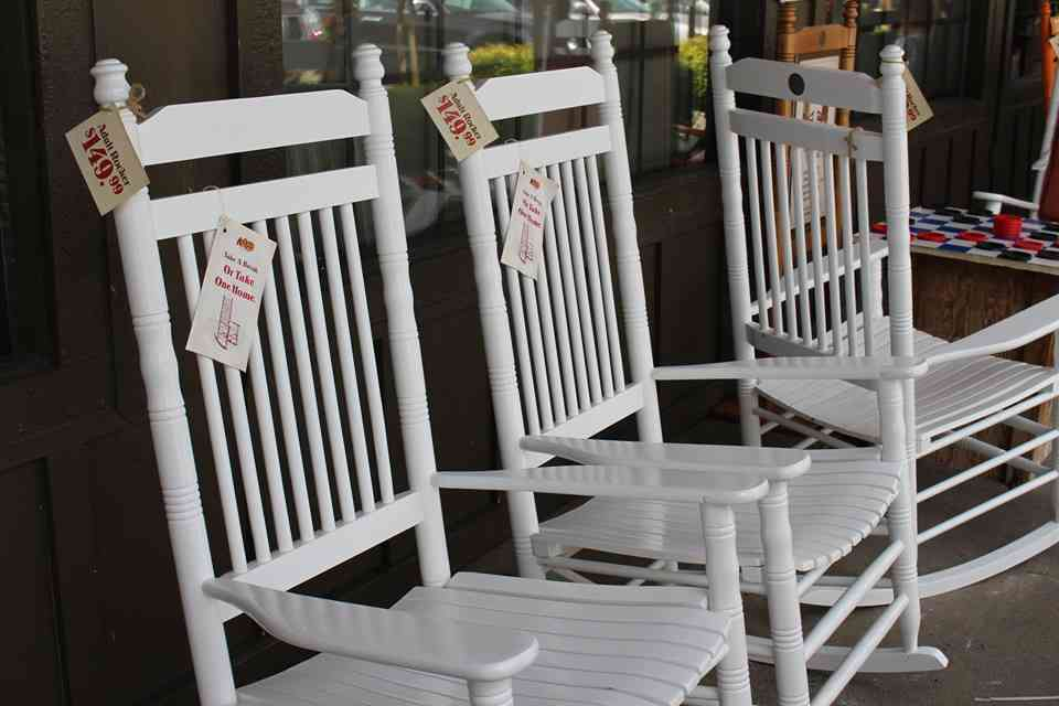 Marvelous Trivia About Cracker Barrel Country Store Chain Thrillist Theyellowbook Wood Chair Design Ideas Theyellowbookinfo