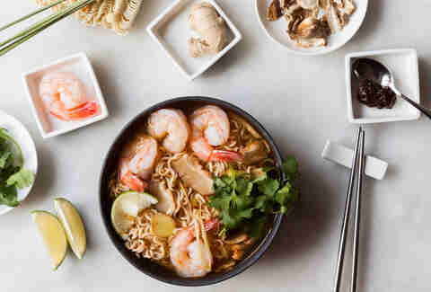Tom yum ramen — Thrillist Recipes