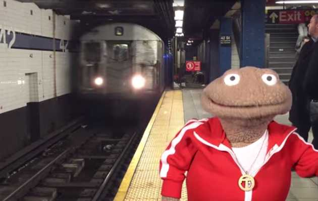 Learn subway etiquette from puppets