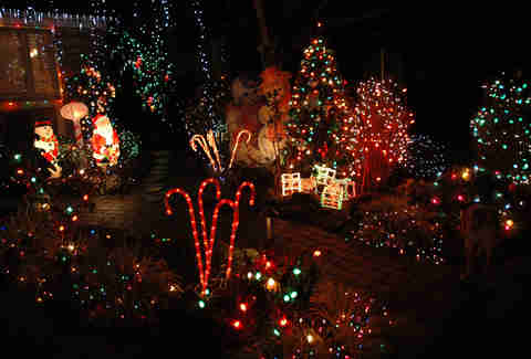 Christmas Lights Best Decorated Streets In The Thrillist