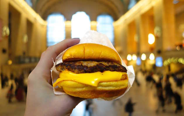 Shake Shack breakfast is happening at Grand Central