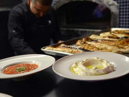 hummus and flatbread at Bustan