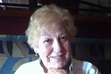 Red Lobster 85-year-old waitress