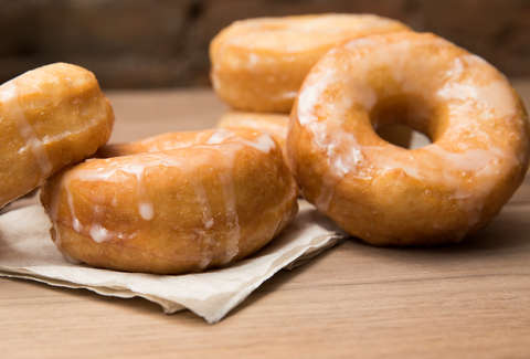 How to make homemade glazed donuts with biscuits