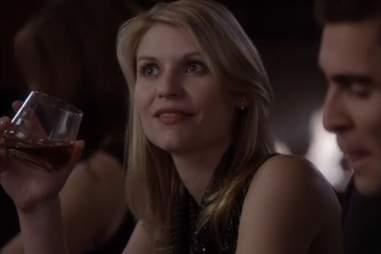 Carrie drinking on Homeland season 1, episode 1