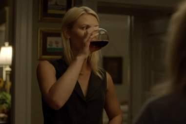 Carrie drinking on Homeland season 1, episode 5