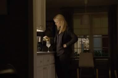 Carrie drinking on Homeland season 2, episode 5