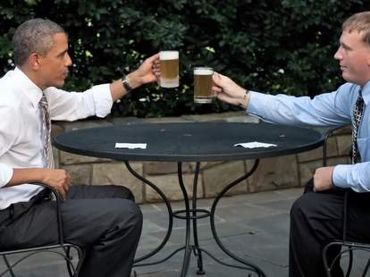 Obama and Sgt. Dakota Meyer toasting