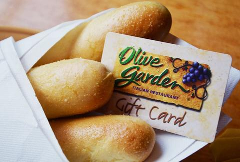 Olive Garden breadsticks with gift card