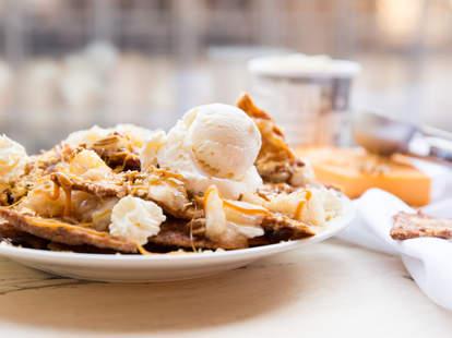 Apple Pie Nachos — Thrillist Recipes
