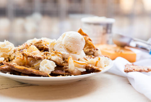 Apple Pie Nachos — Thrillist Recipes