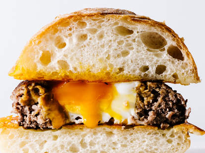 i am a food blog burger egg in a hole