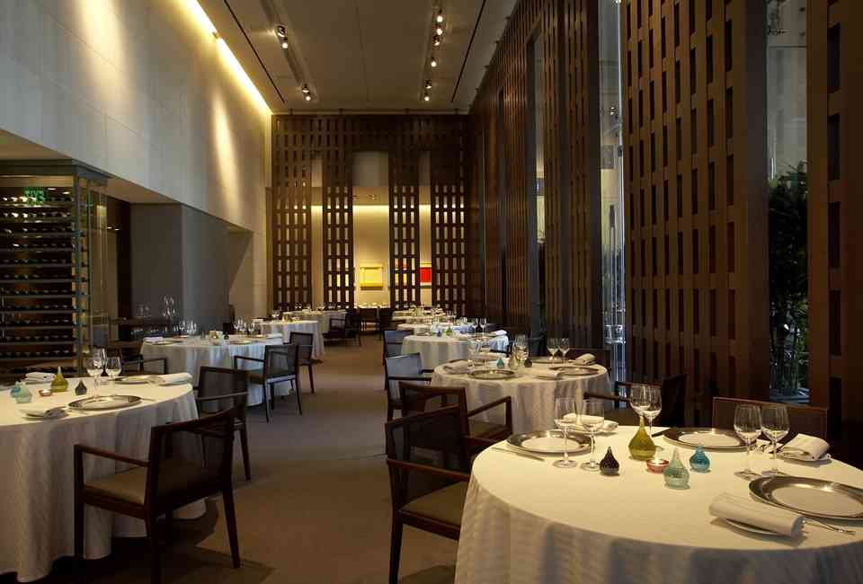 Most Romantic Restaurants In Las Vegas For A Great Date