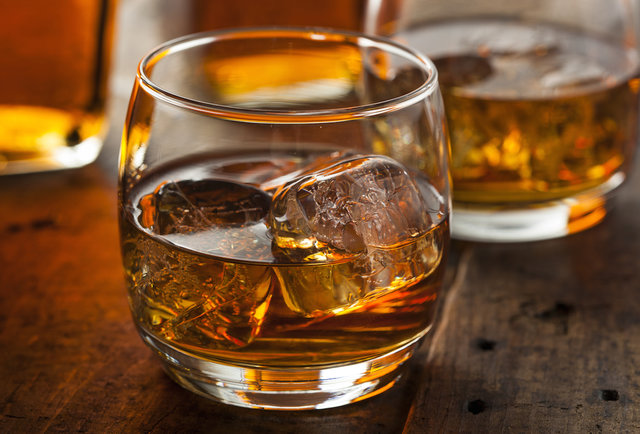 British critic calls bourbon better than Scotch, KY prepares for war