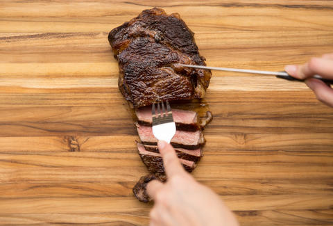 how to cook a steak in a skillet