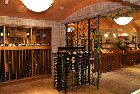 interior wine cellar & tasting room las vegas