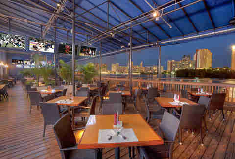 Miami S 13 Best Waterfront Bars Thrillist