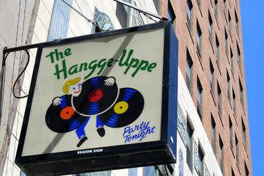the hangge uppe