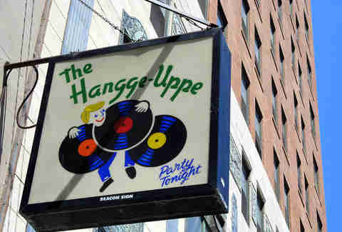 the hangge uppe