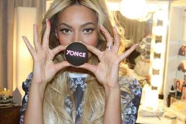 Beyonce with cupcake