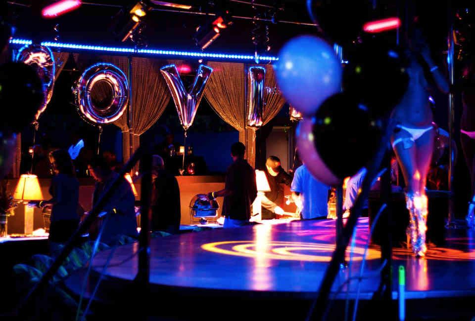 Hollywood showclub