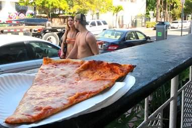 Mom's Pizza Miami