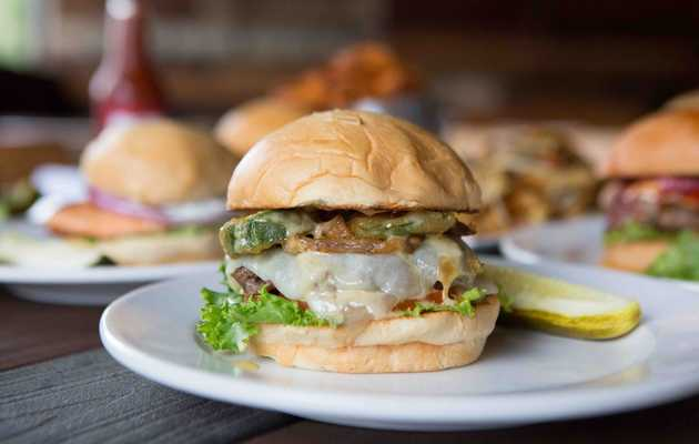 Where to Get the 10 Best Burgers in Tennessee