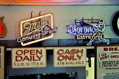 cash only restaurant sign