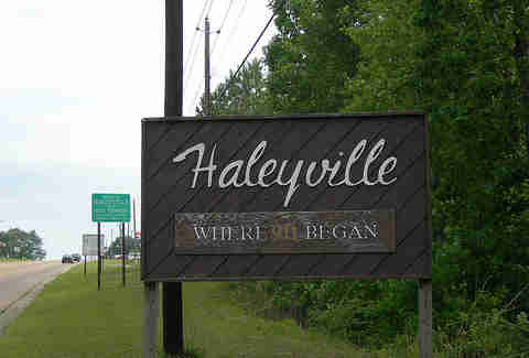haleyville sign