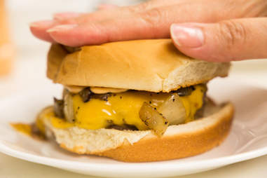 How to make the perfect diner burger — Thrillist Recipes