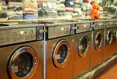 A new york ode to the washer and dryer thrillist laundromat solutioingenieria Images