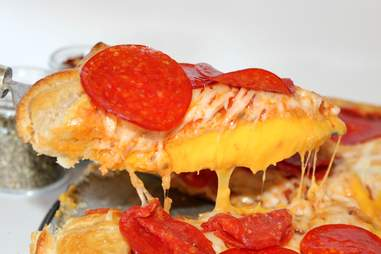 Grilled cheese crust pizza
