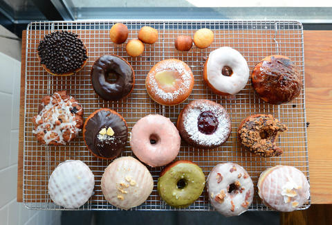Rodeo Donuts At Cupcake Royale Thrillist Seattle