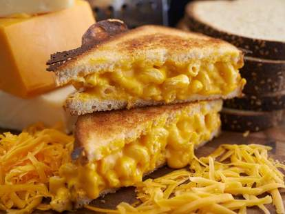 mac and cheese sandwich ms. cheezious miami