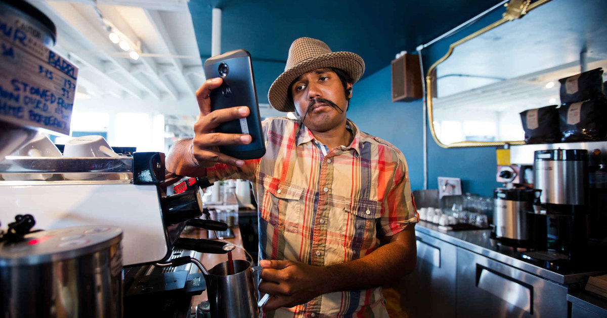 14 Signs a Phony Barista Is Making Your Coffee