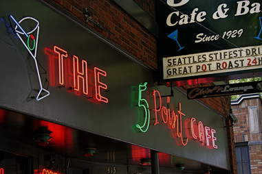 The 5 Point Cafe