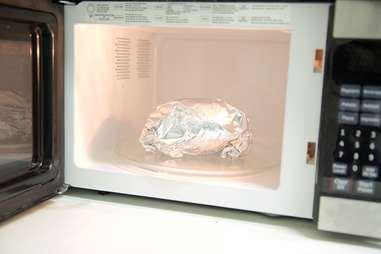 aluminum foil in microwave