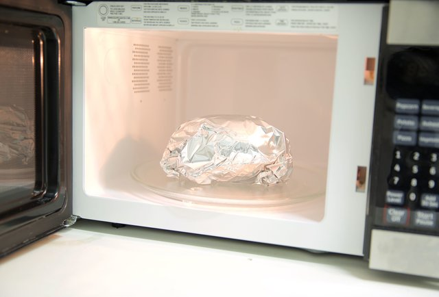 Can You Microwave Plastic 13 Things You Can Amp Can T