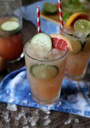 Grapefruit margarita with cucumber
