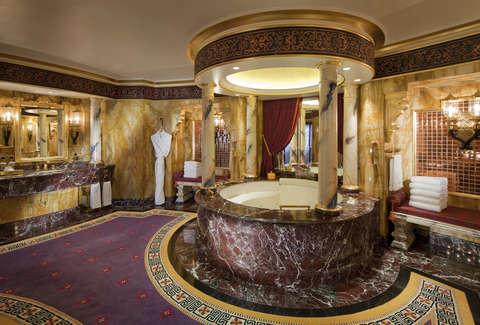 Luxurious Hotel Bathrooms: Four Seasons, Ritz-Carlton, Burj Al Arab ...