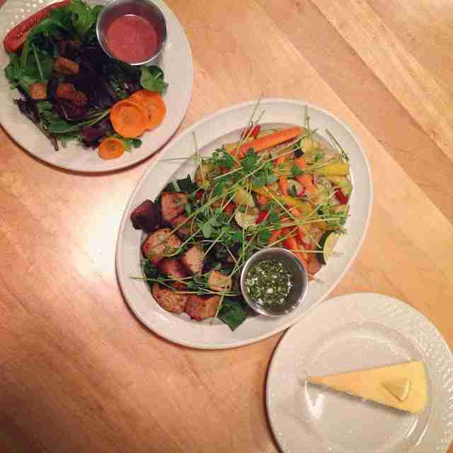 The best restaurants in the michigan upper peninsula for Thill s fish house