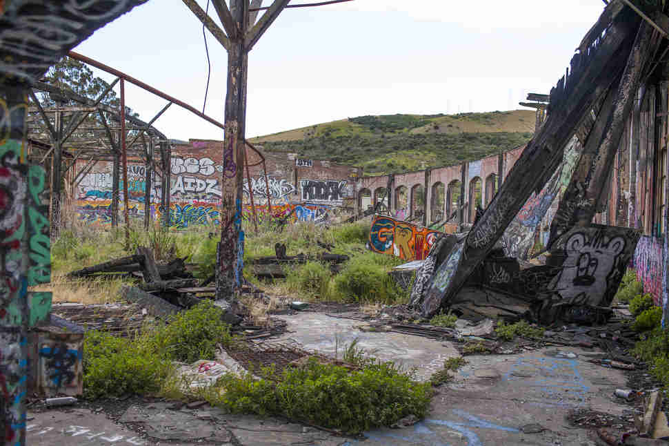 Abandoned Bayshore Train Yard Photos In San Francisco
