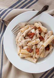 Creamy bacon pasta