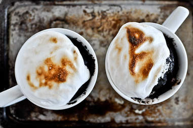 5-minute chocolate fudge s'mores mug cake