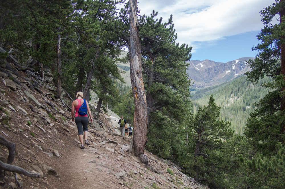 best hikes to take in denver denver hike trails thrillist
