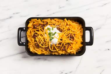 Chili cheese mac — Thrillist Recipes