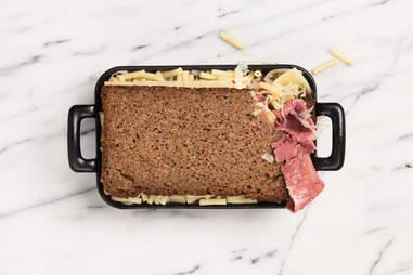 Reuben mac 'n' cheese — Thrillist Recipes