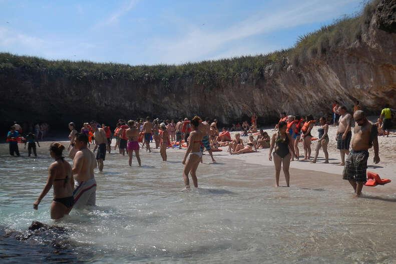 playa escondida marieta islands mexico